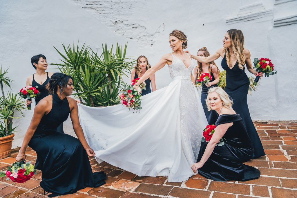 Classic Bride with Bridesmaids
